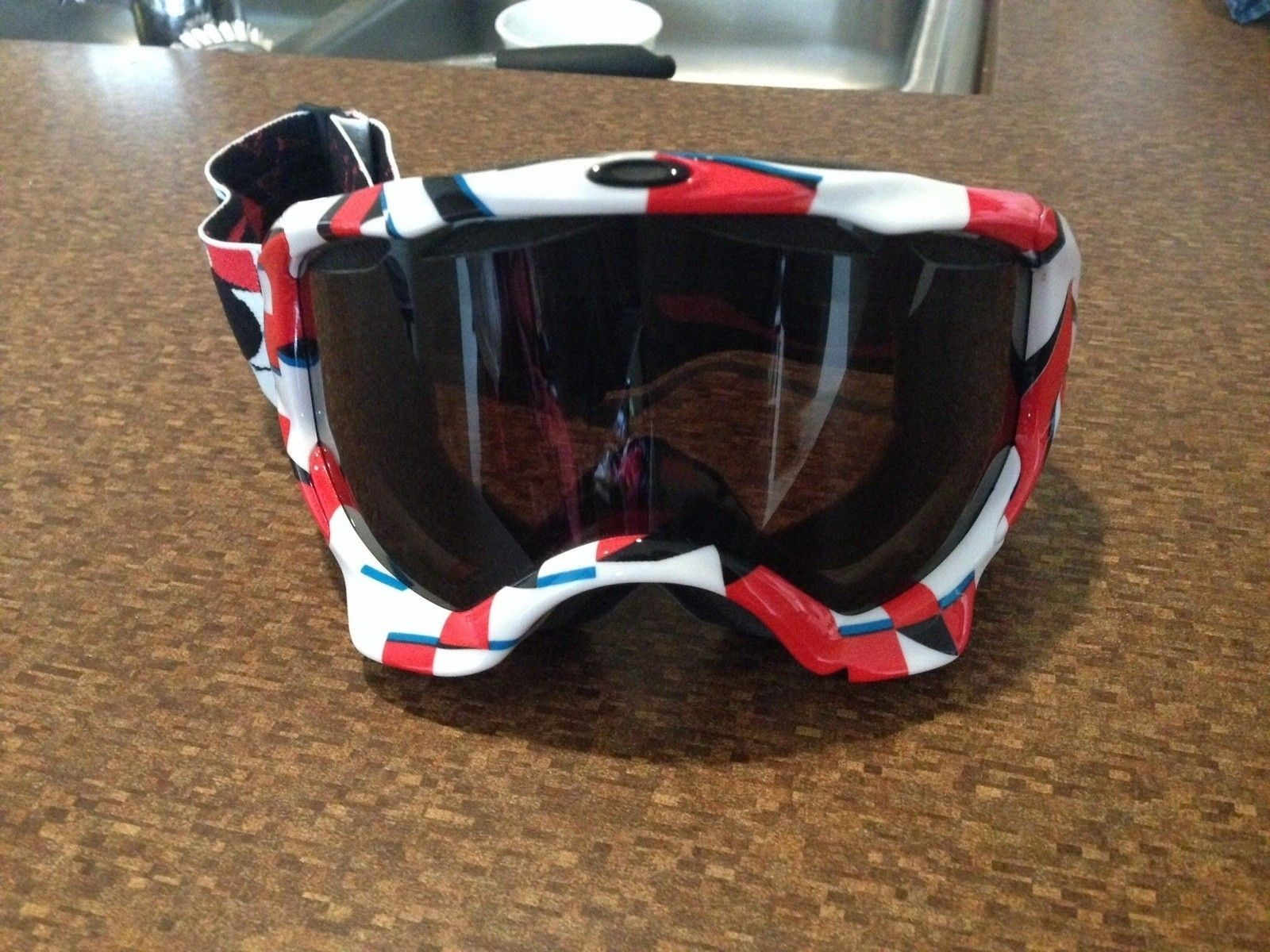 Can anyone help me identify what model of goggles these are? - image.jpg