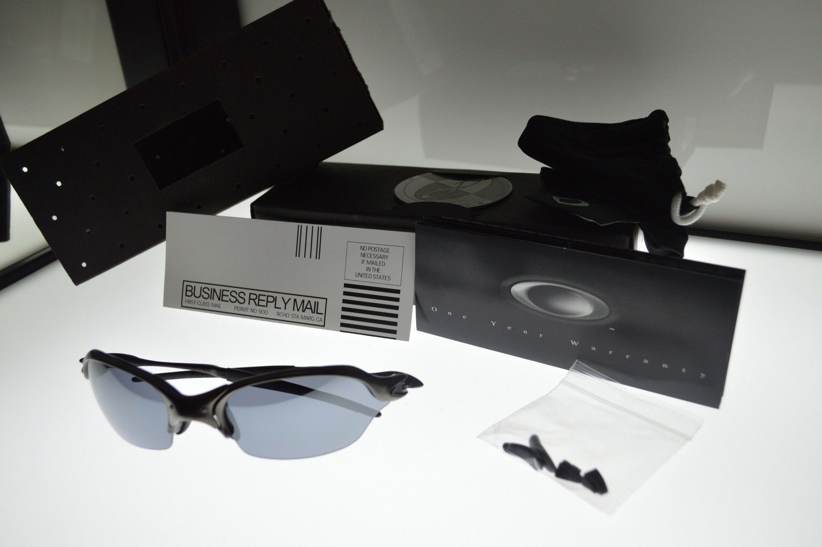 BNIB Romeo 2 Carbon/Black iridium sku#04-137 (CLOSED - CONSOLIDATING THREADS) - image.jpg