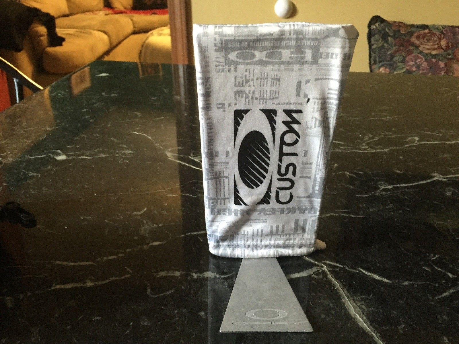 Oakley Microfiber bag display holder - image.jpg