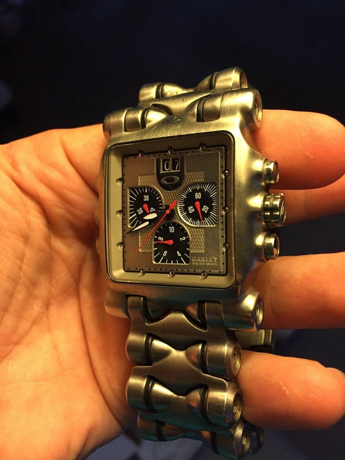 Oakley Minute Machine Titanium - image.jpg