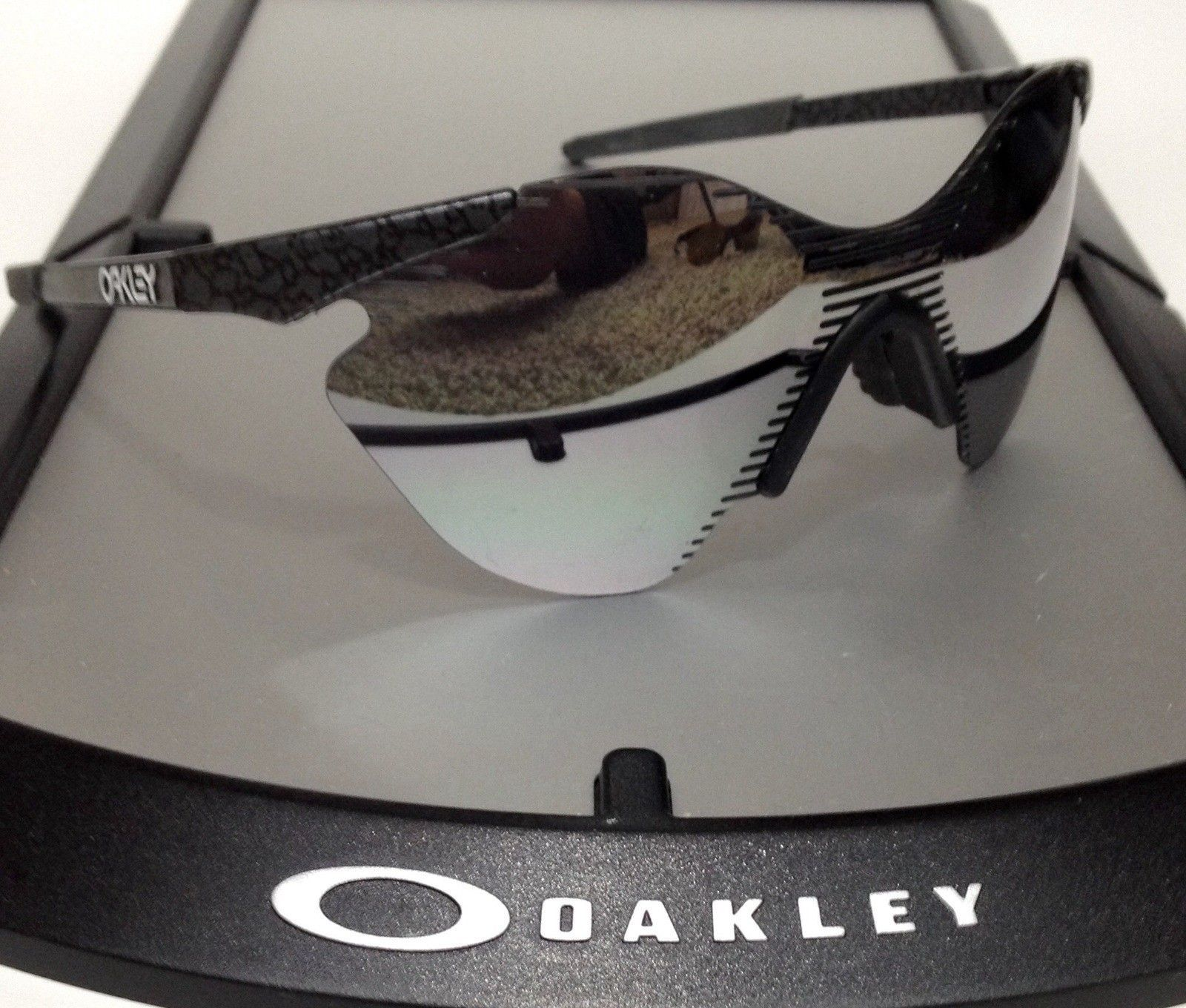 Zero + Zero + Zero + Zero + Zero + Zero = Oakley - image.jpg