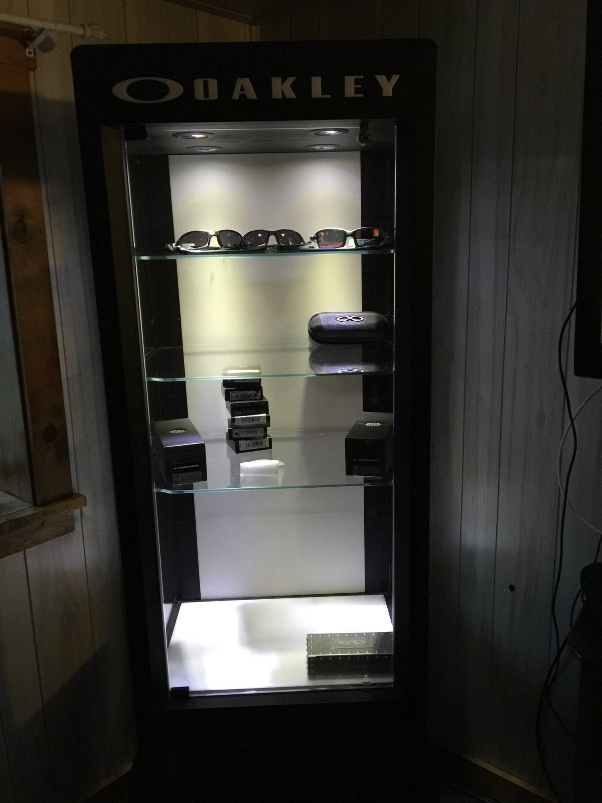 3.0 Display case - image.jpg
