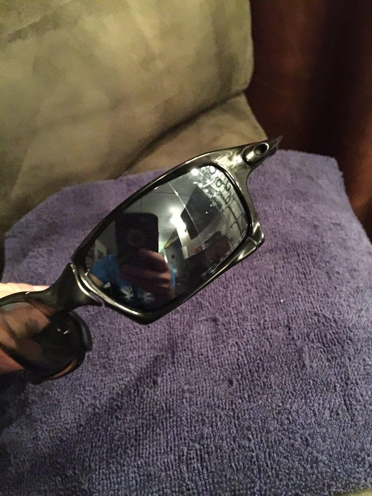 Oakley XS polished carbon bip - image.jpg