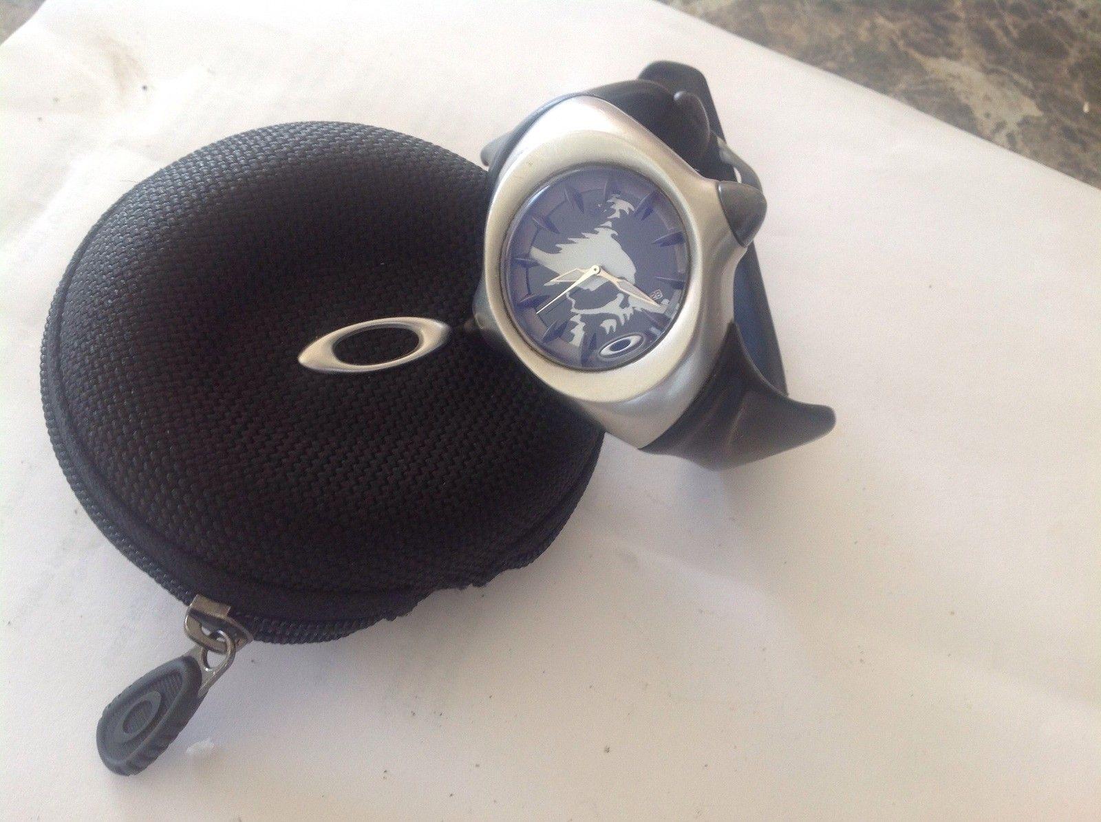 Used Oakley Crush Stainless Skull watch - image.jpg