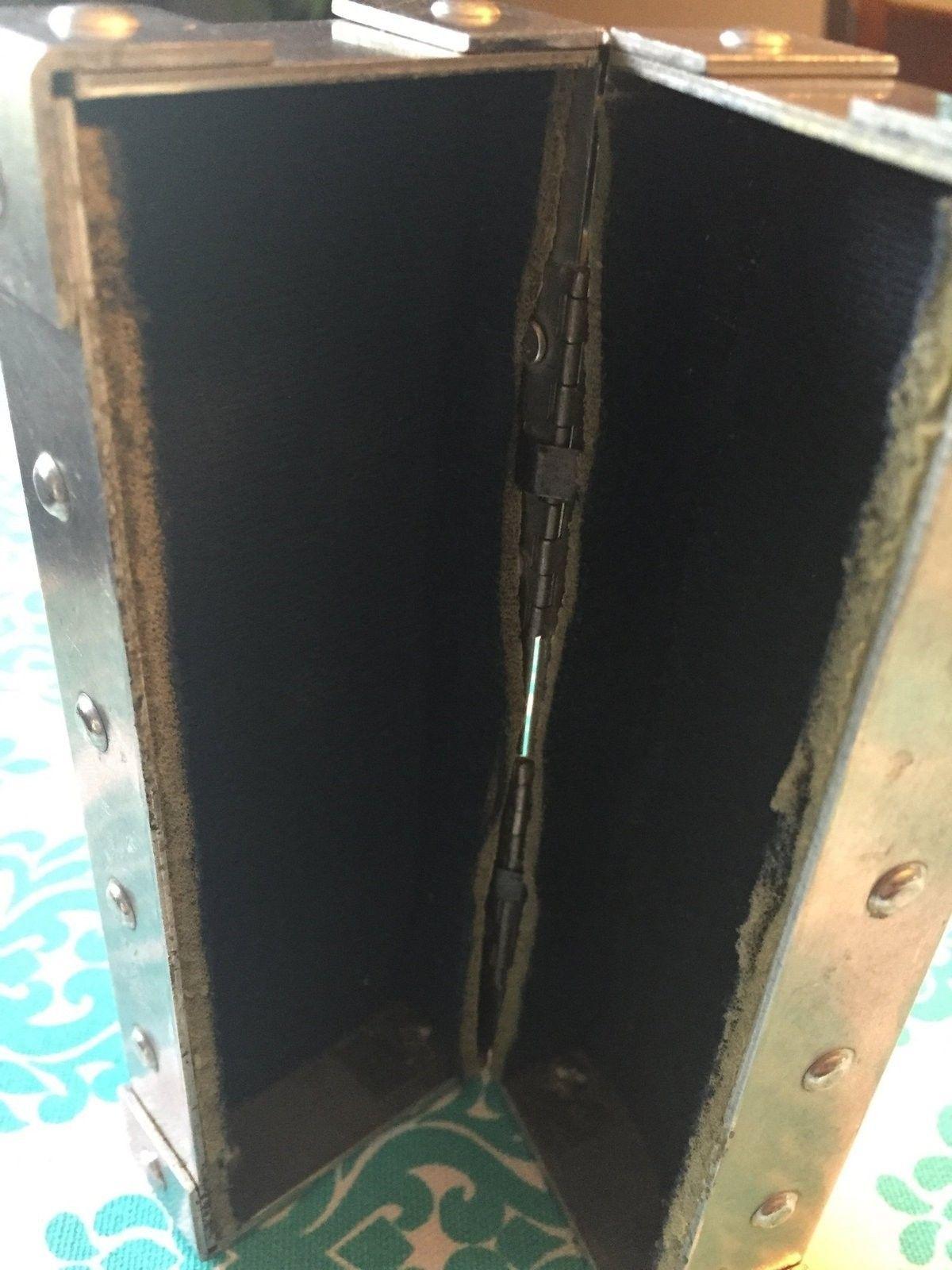 Small x metal vault - image.jpg