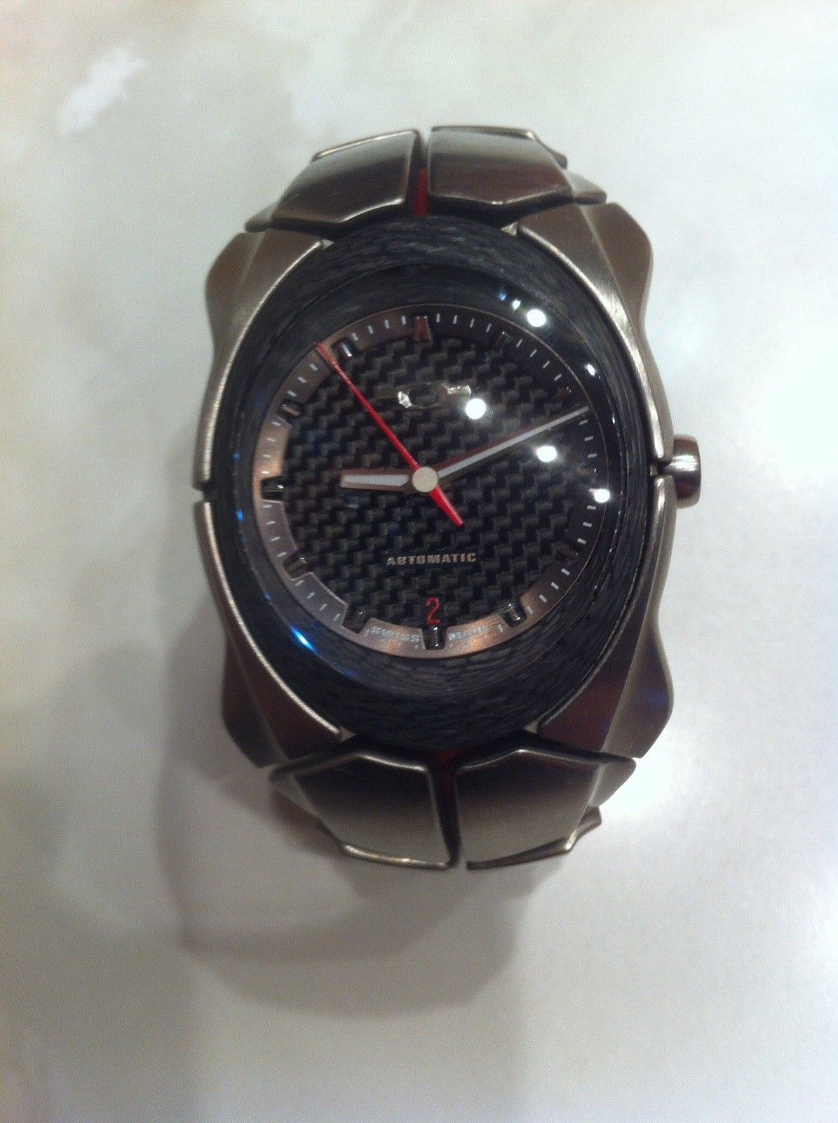 Timebomb2 automatic writting on dial fading from red to white - image.jpg