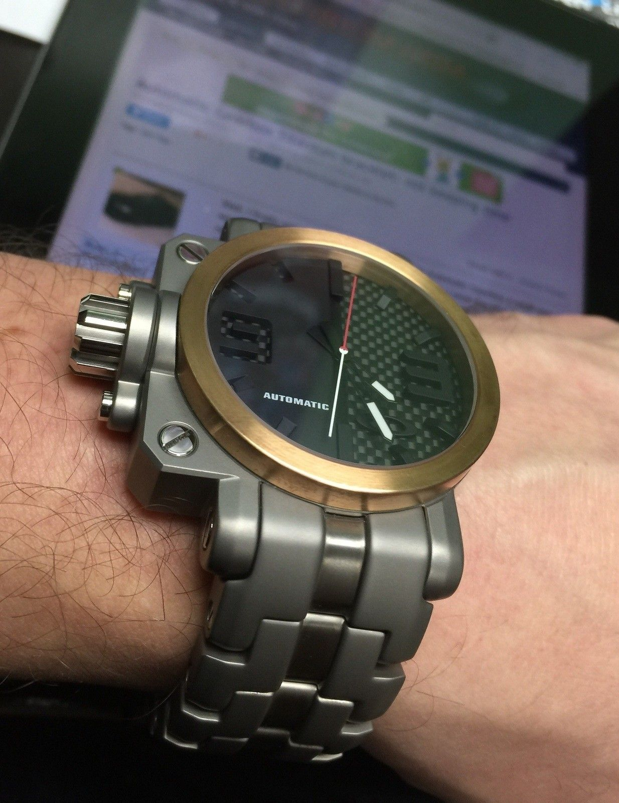 Automatic Gearbox Titanium bracelet: not keeping time - image.jpg
