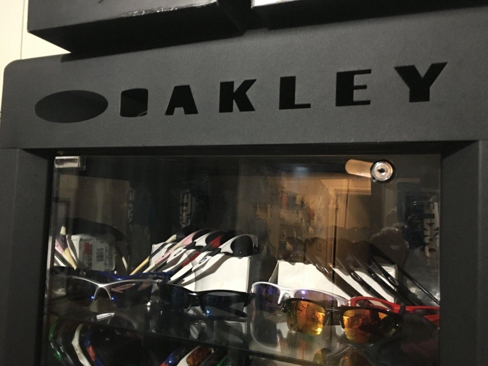 3.0 Oakley lettering - image.jpg