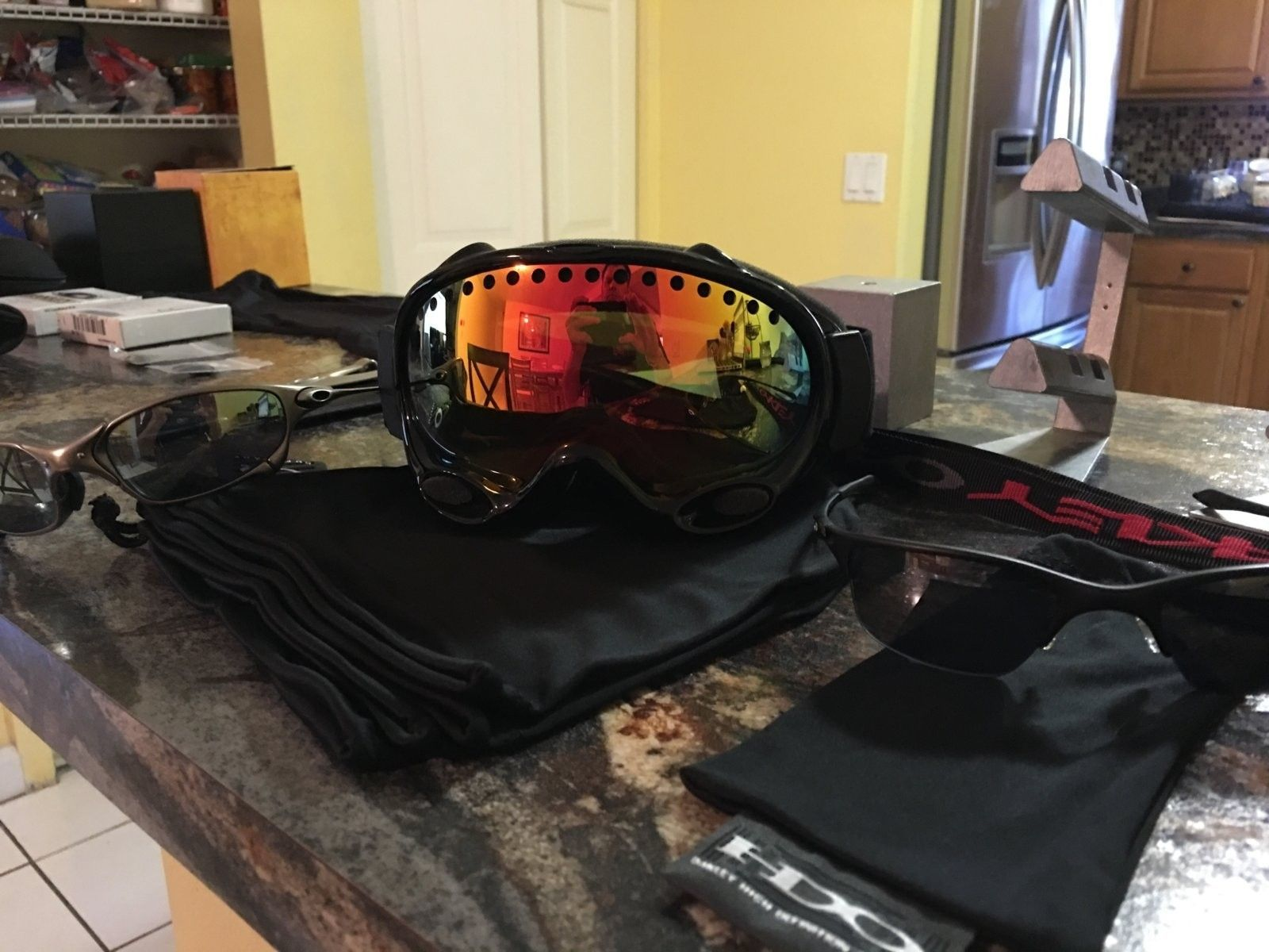 Help identifying goggles - image.jpg