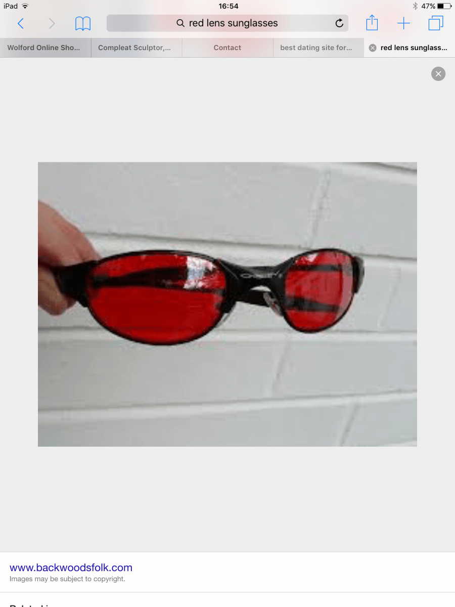 Anyone help identify these Oakley sunglasses - image.png