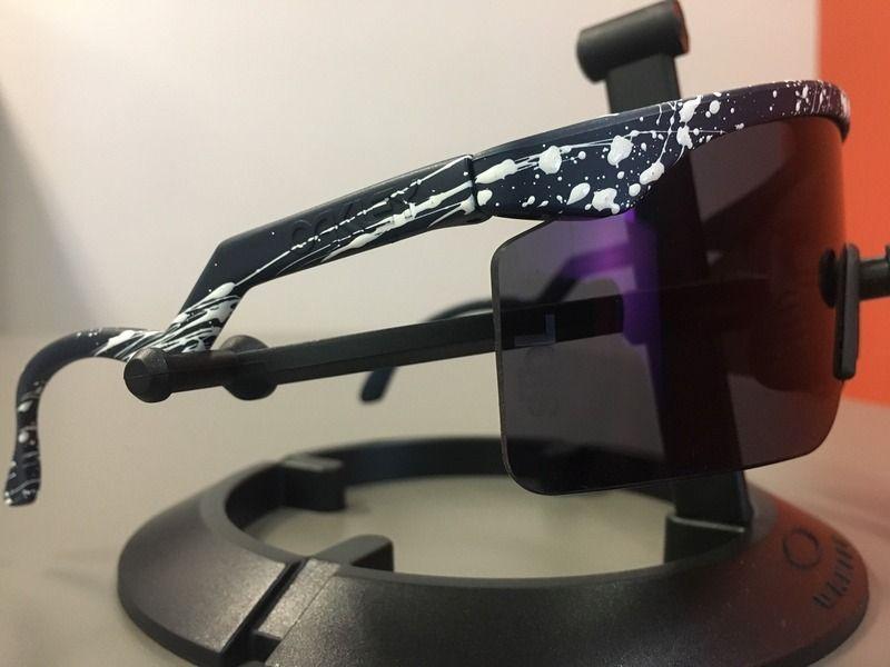 Staple x Oakley Razorlades - image2_1.jpg