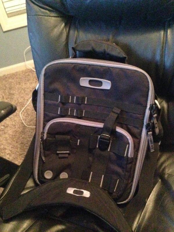 Oakley Vertical Checkpoint Bag - image_1.jpeg