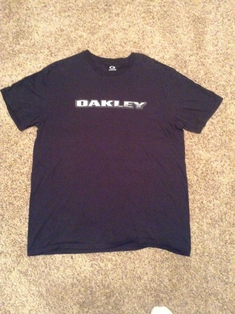 WTS:  Oakley Tee's...... Village Park, Hydrolix & Bunker - ImageUploadedByTapatalk1459292300.752733.jpg