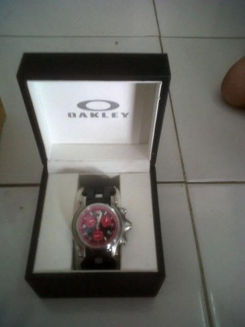 Oakley Holeshot Chronograph Red Dial - IMG-20130508-006311_zps44d6e61d.jpg