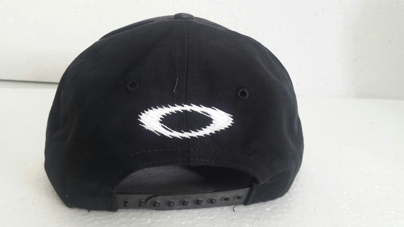 oakley scotty cannon hat - IMG-20160225-WA0004.jpg