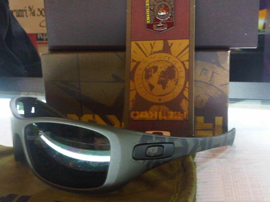 FS Oakley Soviet Hijinx Brand New - IMG00445-20120207-1521.jpg