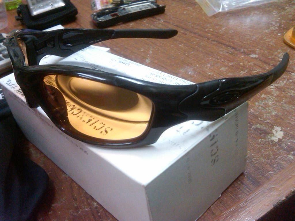 Various Sunglasses For Sell New In Box - IMG05398-20121017-1820.jpg