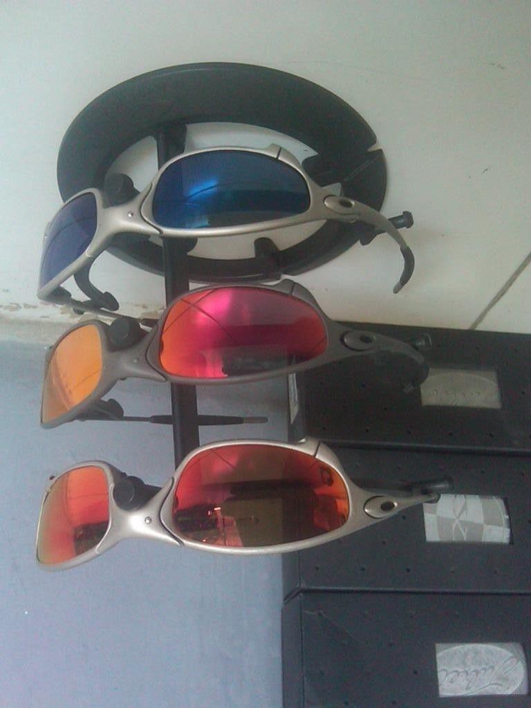 Oakley Stand  Black 1, 2,  3 Tier - IMG05525-20121025-0920.jpg