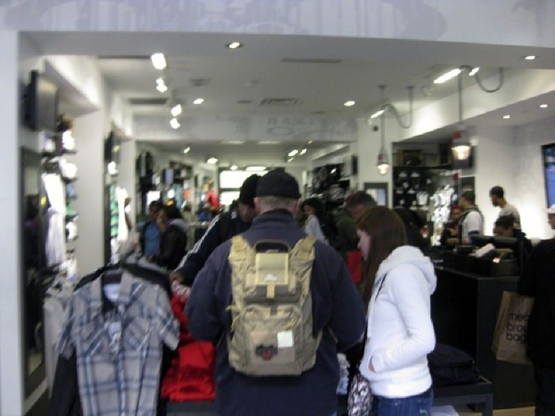 Oakley Times Square Store W/ Pics! - img1390be.jpg