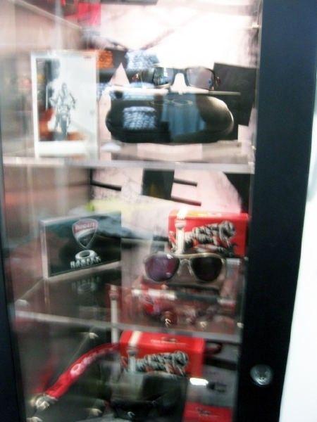 Oakley Times Square Store W/ Pics! - img1401o.jpg