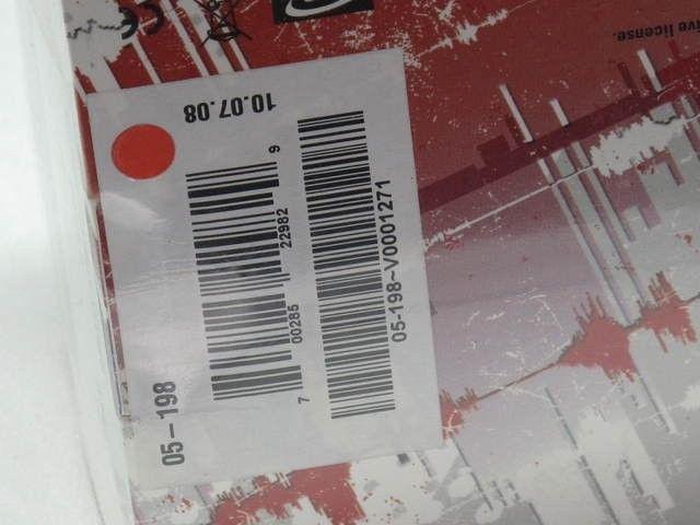 Oakley Thump Pro White Hot Edition,1GB , SEALED BOX  Sku 05-198 - img4189r.jpg
