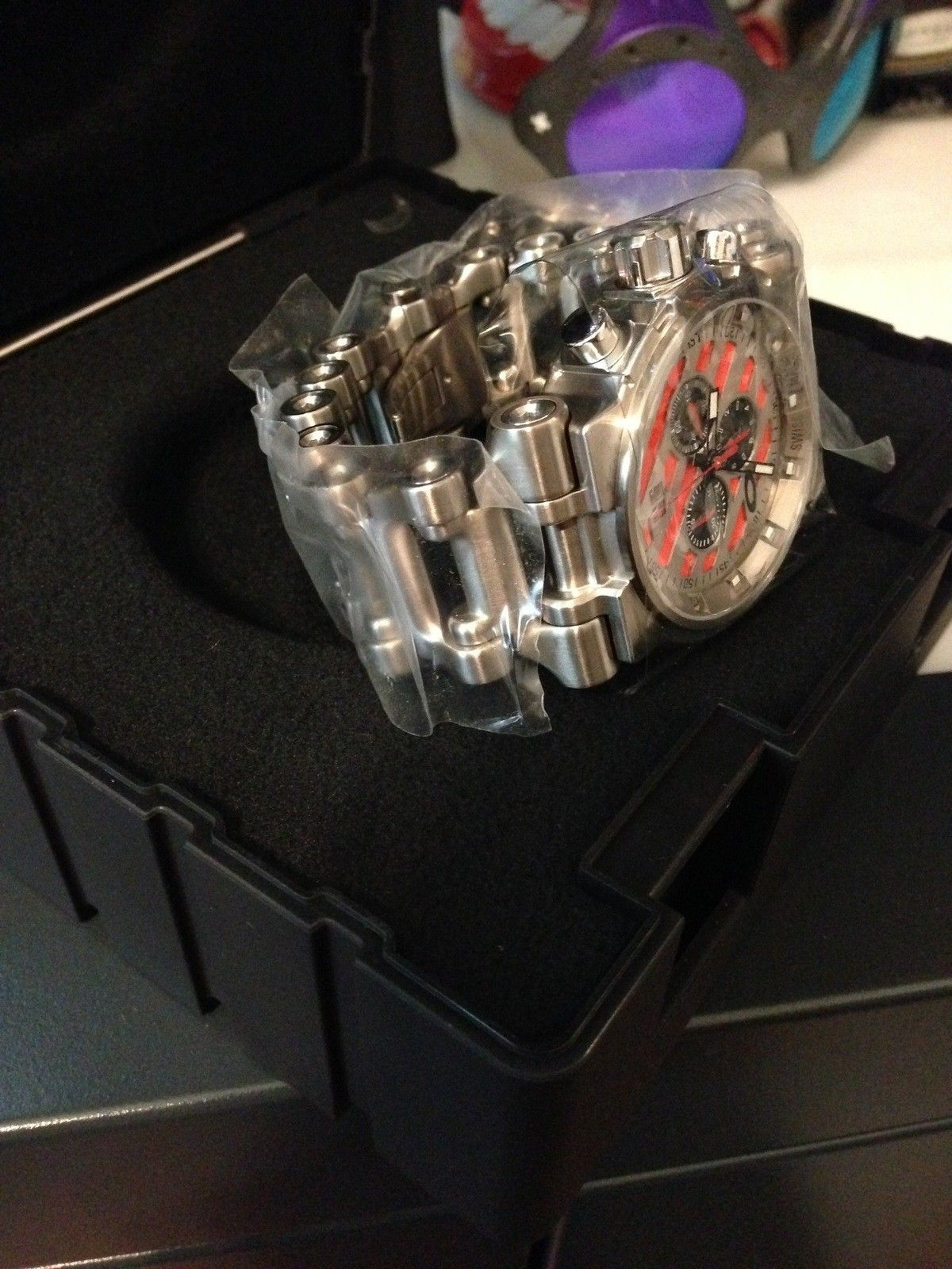 Hollowpoint Red Dial (BNIB) - IMG_0020.jpg