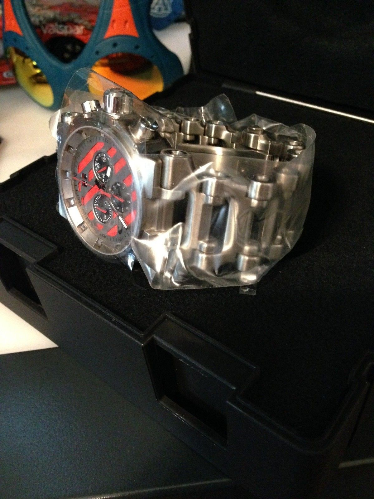 Hollowpoint Red Dial (BNIB) - IMG_0021.jpg