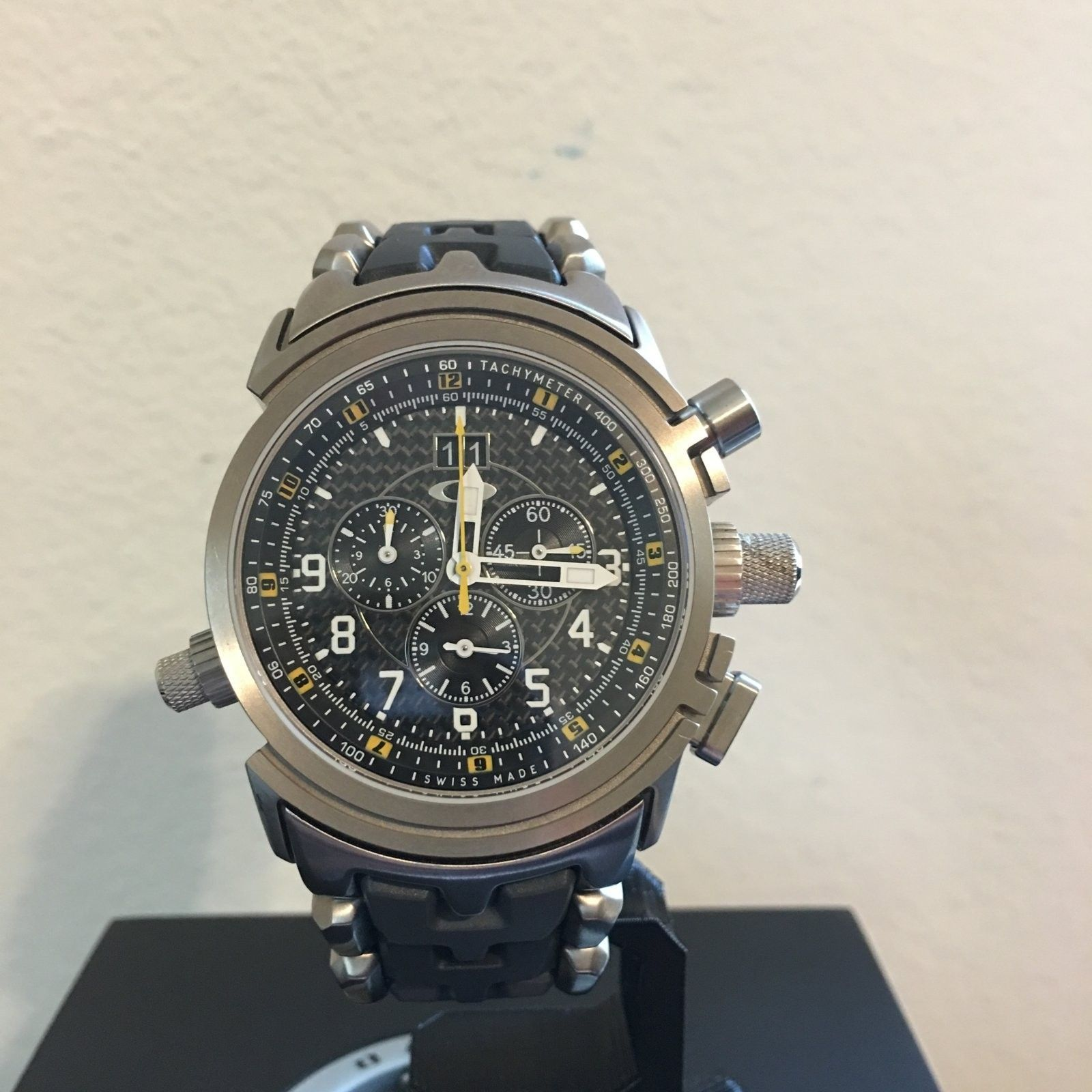 12-Gauge Special Edition Carbon Fiber/Yellow Dial (Free Watch Vault!) - IMG_0121.JPG