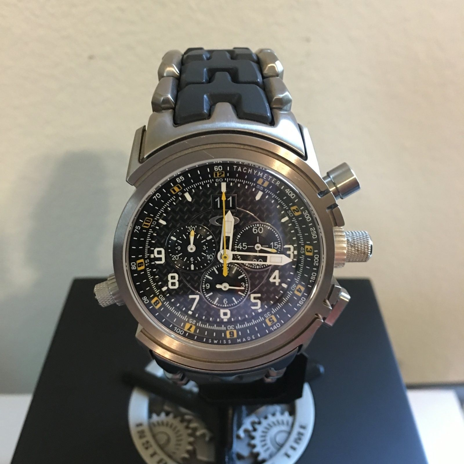 12-Gauge Special Edition Carbon Fiber/Yellow Dial (Free Watch Vault!) - IMG_0122.JPG