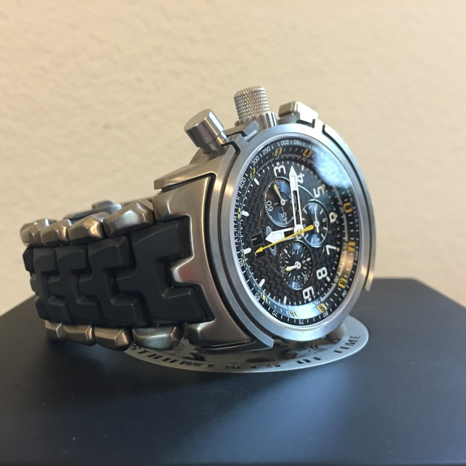 12-Gauge Special Edition Carbon Fiber/Yellow Dial (Free Watch Vault!) - IMG_0131.JPG
