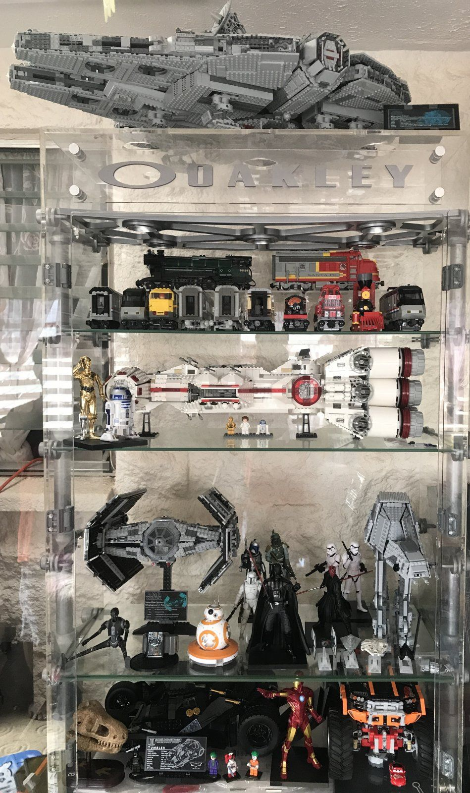... Please Share Pictures Of How You Display The Built Sets    On Your Work  Desk, In A Display Cabinet, On A LEGO Table, Or Wherever It Is Displayed.