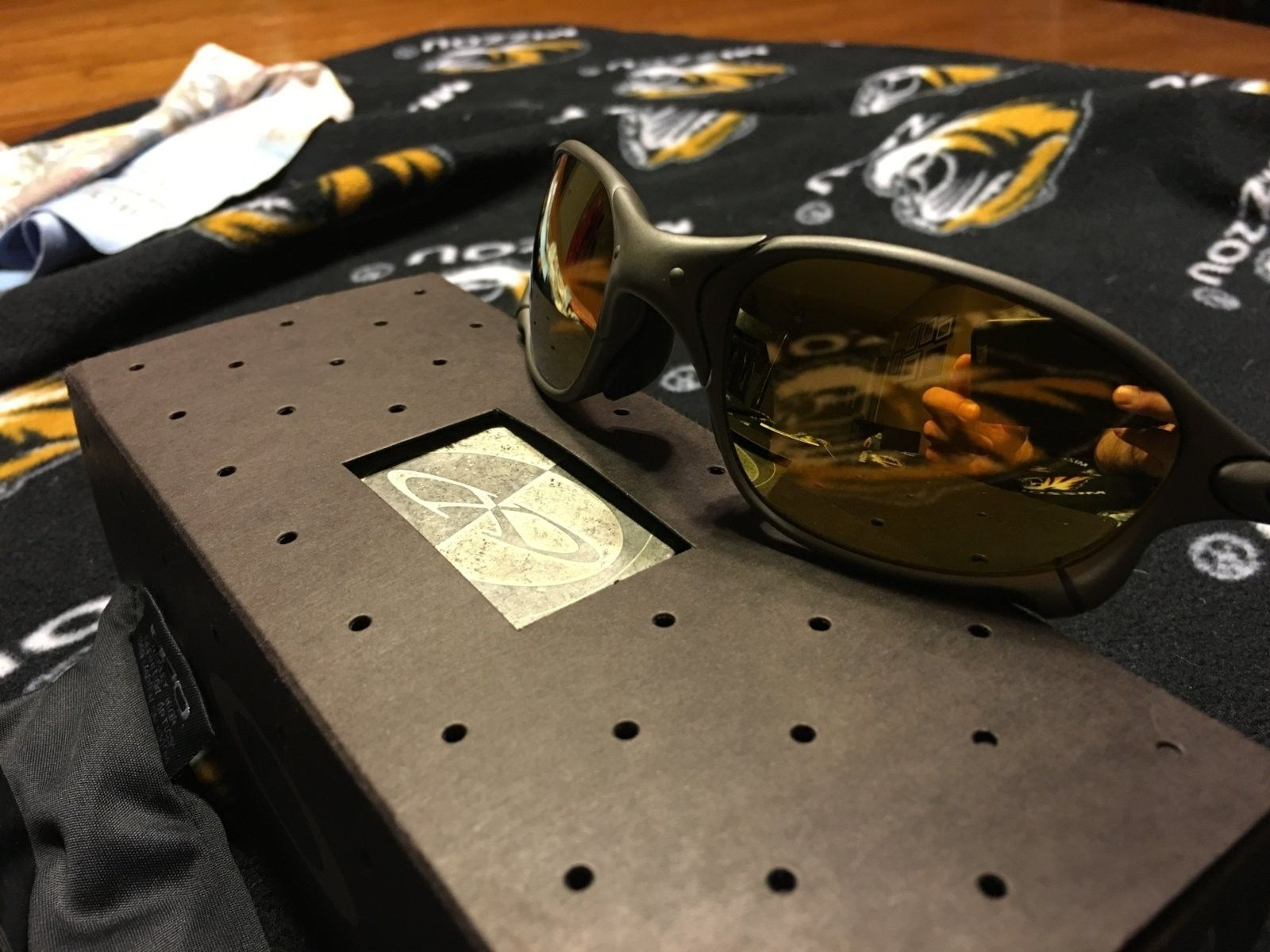 New In Box Oakley XX X-Metal Sunglasses - IMG_0155.JPG