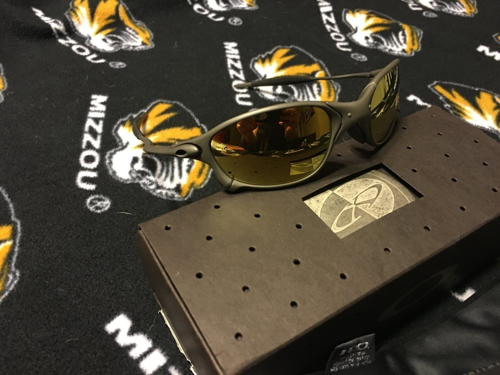 New In Box Oakley XX X-Metal Sunglasses - IMG_0157.JPG