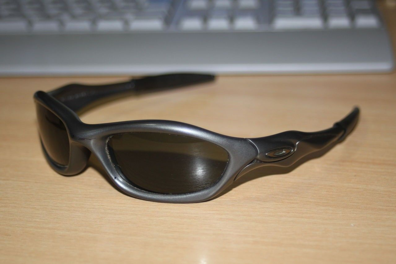 Can Someone Identify These Mens Oakley Sunglasses - IMG_0230.jpg