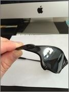 Need Help Identifying Oakleys - IMG_0295.jpg