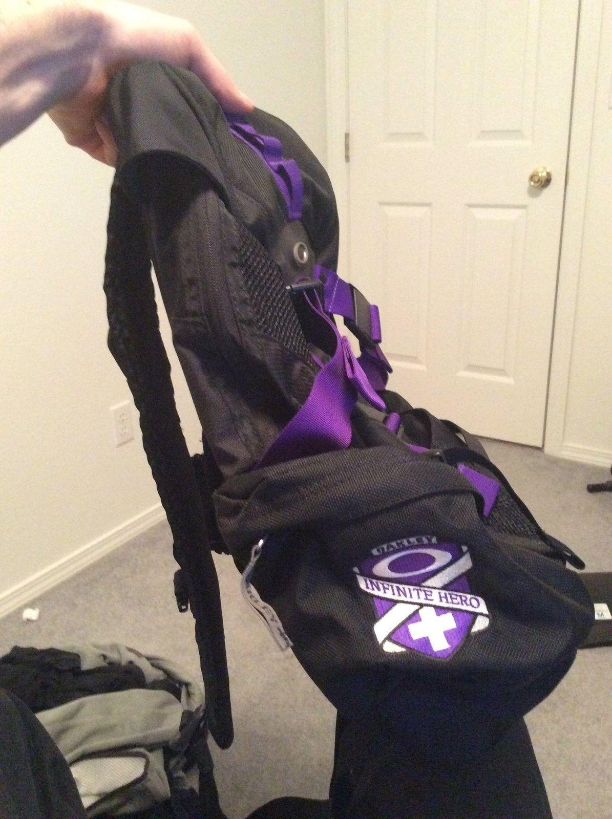 Infinite Hero Icon 3.0 backpack Sold - IMG_0332.JPG