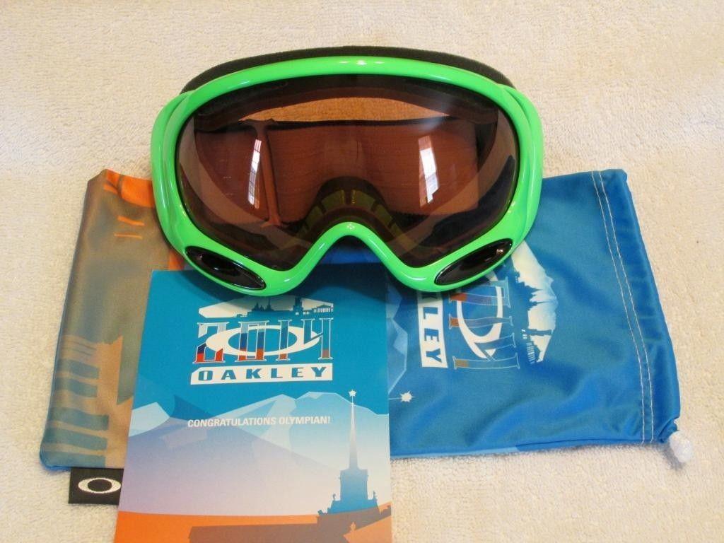 Sochi 2014 Olympic Green Goggles w/ Microfiber & Olympian Card - img_0579_zps8fdf138f-jpg.95235.jpg