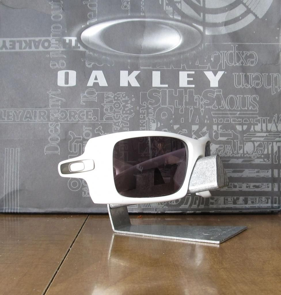 discontinued oakley sunglasses wholesale nyc