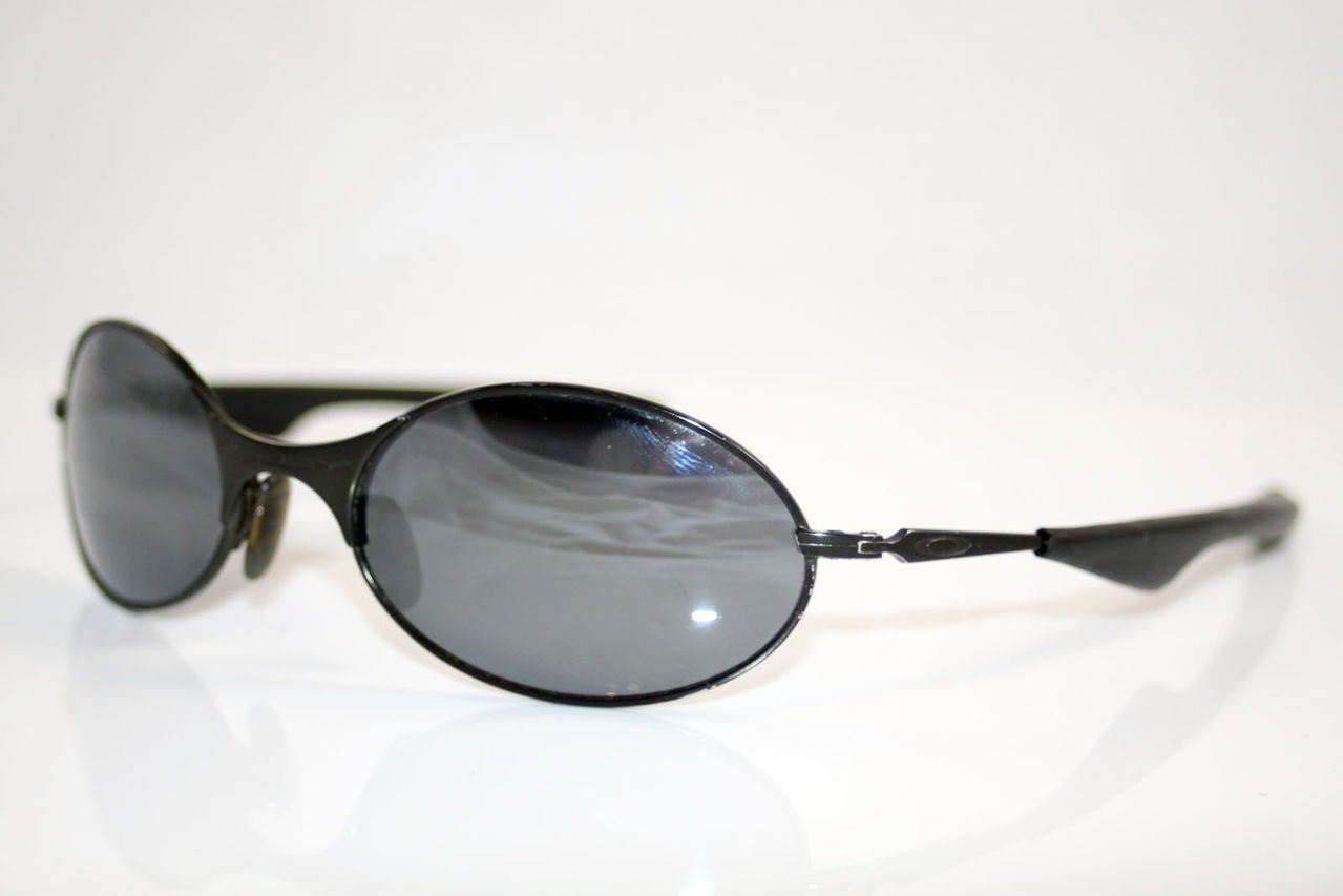 Can Anyone Identify These Mens Oakley Sunglasses? - IMG_0877.jpg