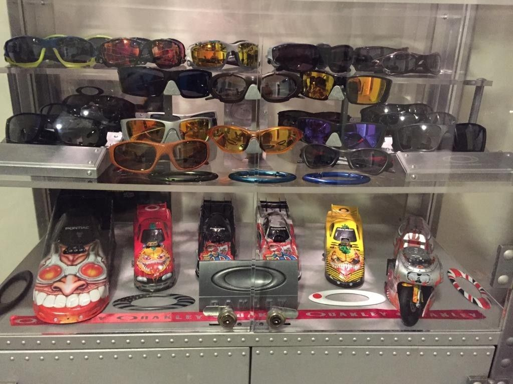 REGGAVEGGA'S Updated Collection (MY OAKLEY Room)..... - IMG_1265_zps2e7731fd.jpg