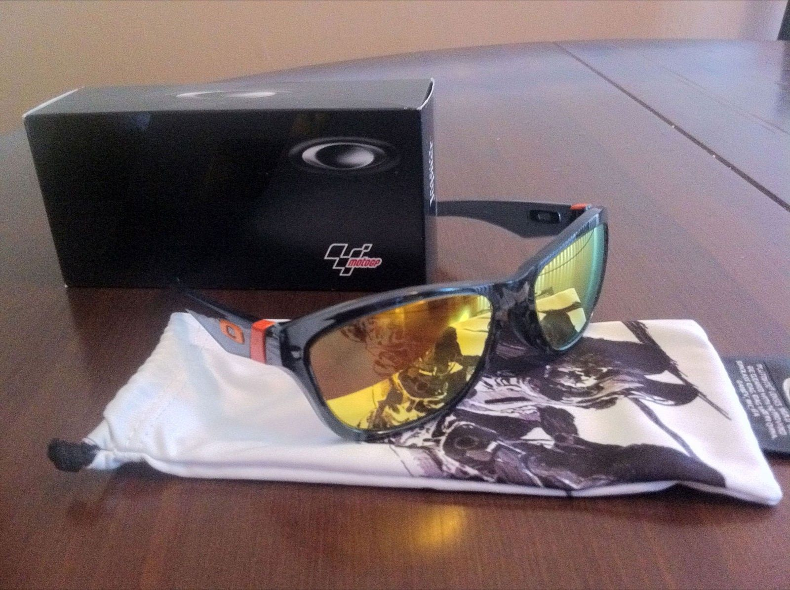 Moto GP Jupiter Crystal Black W/Fire Irid - IMG_1391.JPG