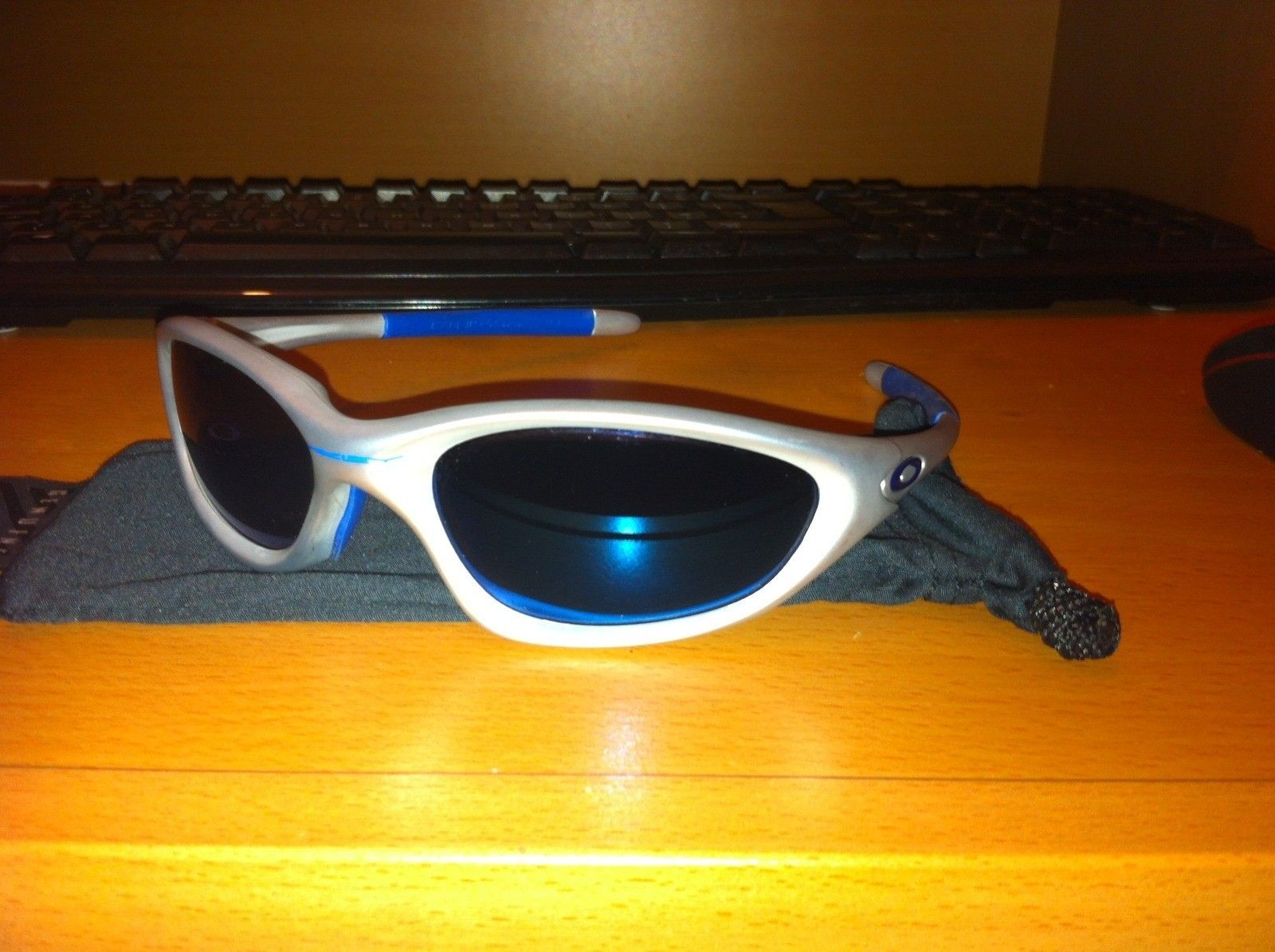 Oakley Sunglasses For Sale (white Camo Thump, XX Emerald, XX Ice) - IMG_1405_www.kepfeltoltes.hu_.jpg