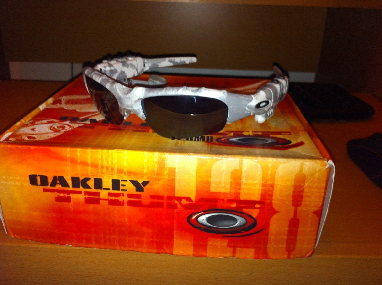 Oakley Sunglasses For Sale (white Camo Thump, XX Emerald, XX Ice) - IMG_1406_www.kepfeltoltes.hu_.jpg