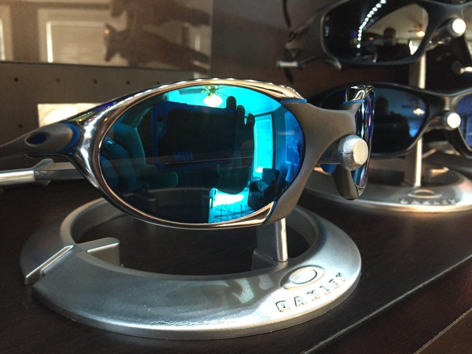 Or trade.  R1 custom with custom Sapphire lense - IMG_1423.JPG