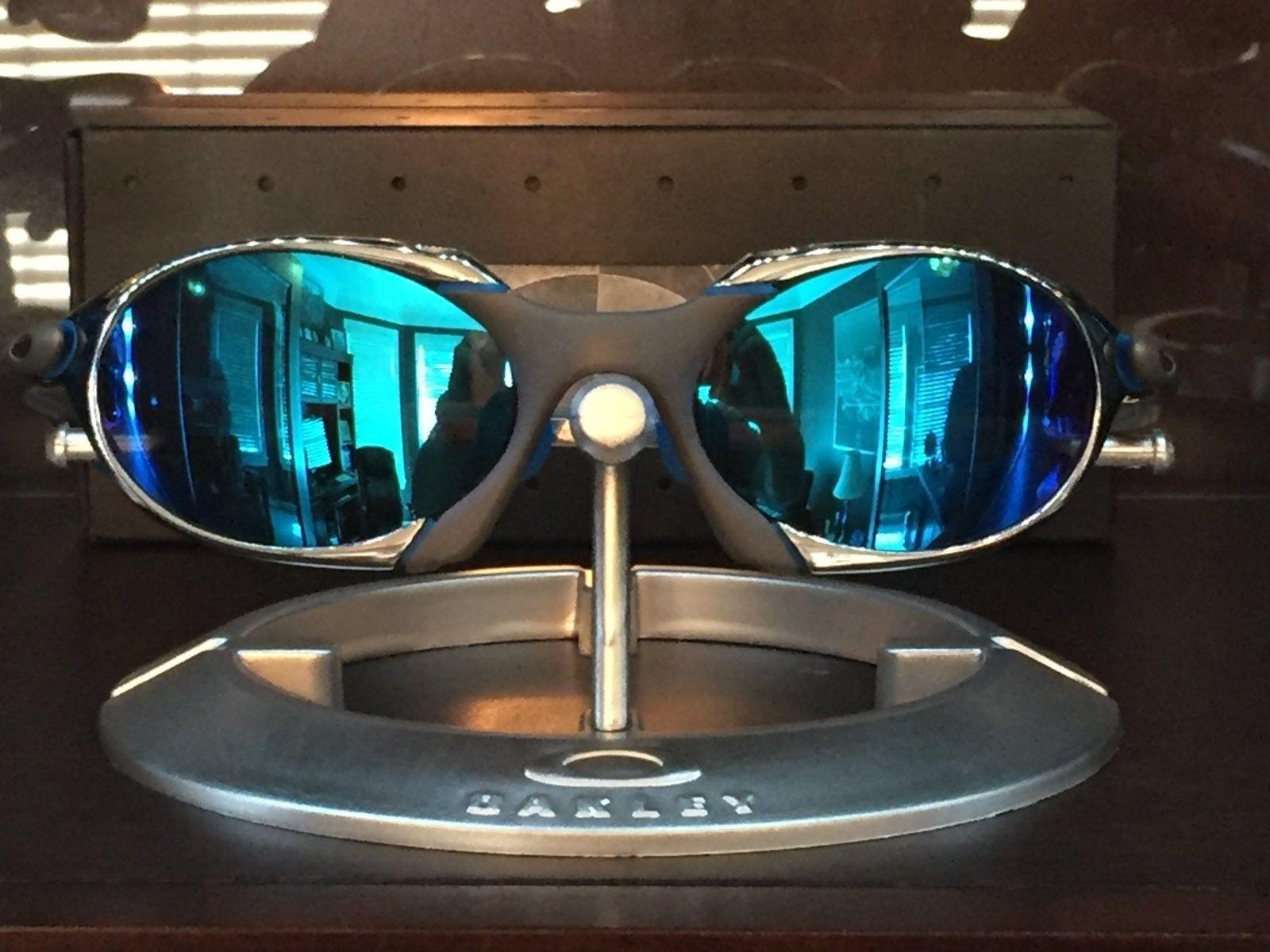 Or trade.  R1 custom with custom Sapphire lense - IMG_1425.JPG
