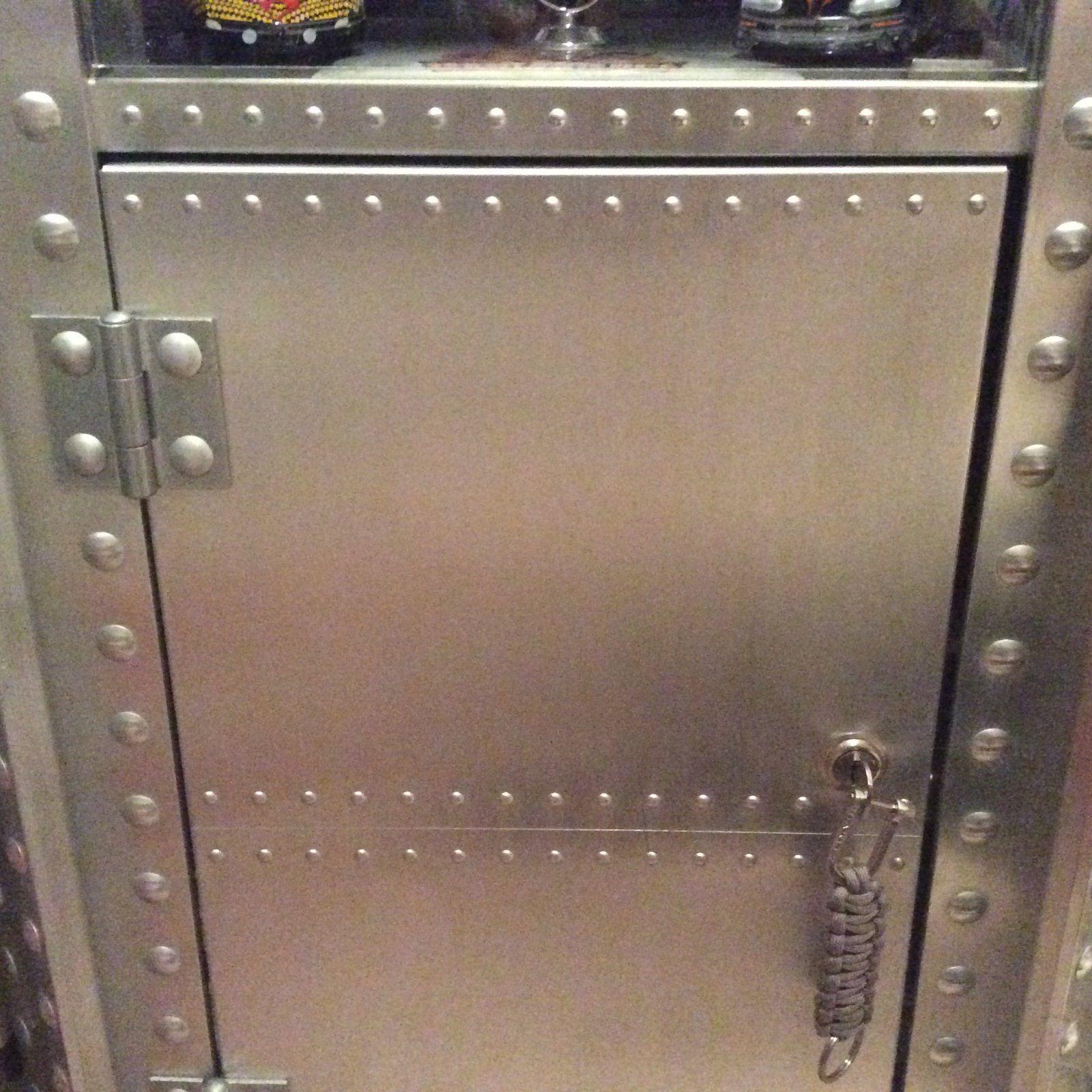 display case parts - IMG_1565.JPG