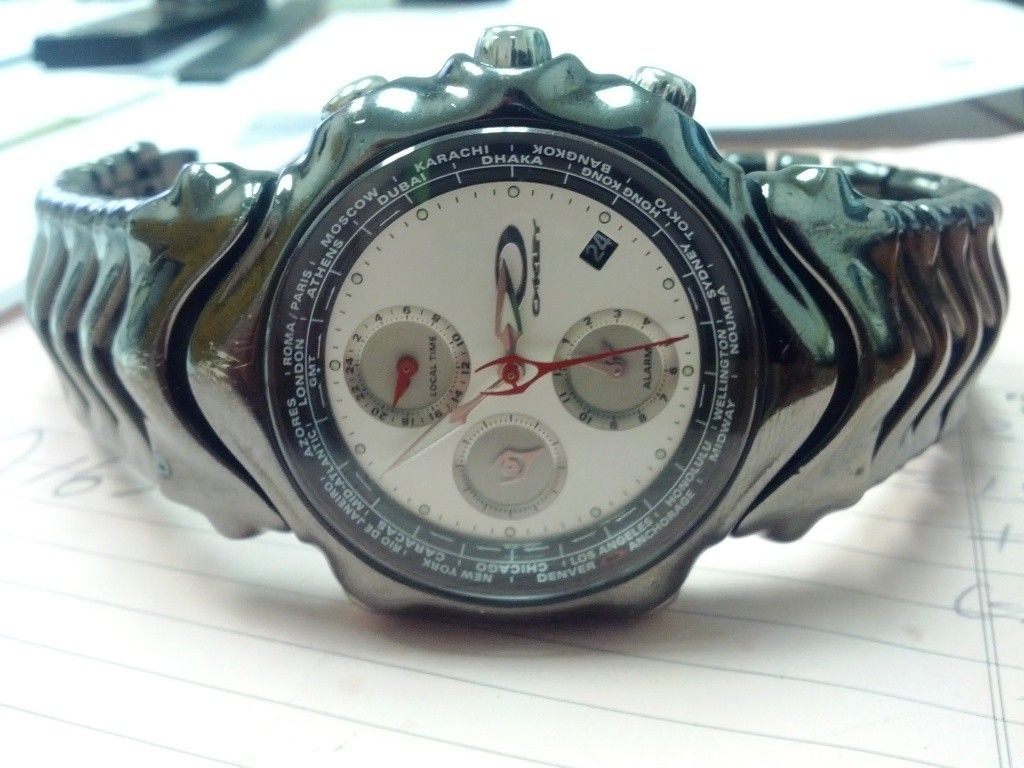 1 Of 2 GMT (Ion Plated W/ White Face & Stealth) - IMG_20120725_145241.jpg