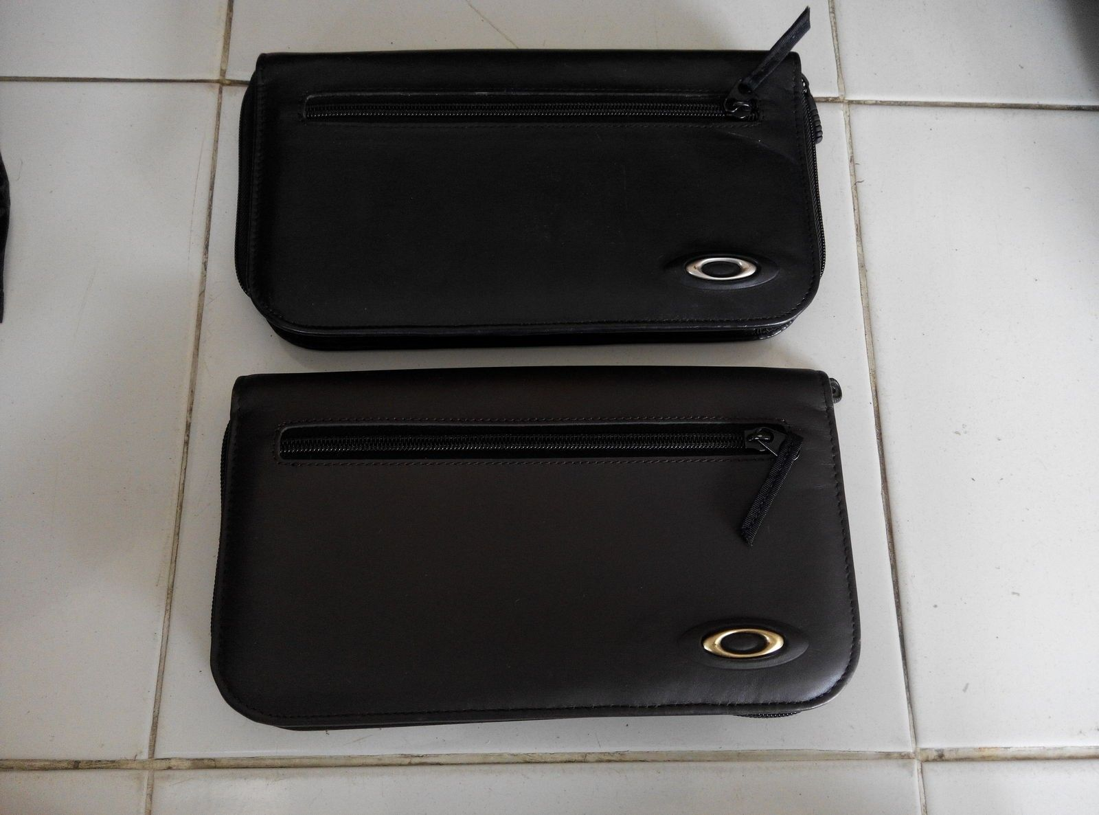 Oakley flight travel wallet leather - IMG_20141122_131839.jpg
