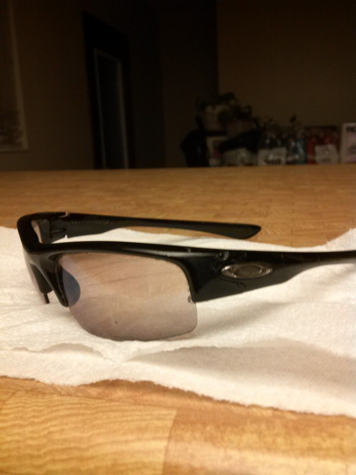 Need Help Identifying these frames so i can get new lenses - IMG_20150401_234235.jpg
