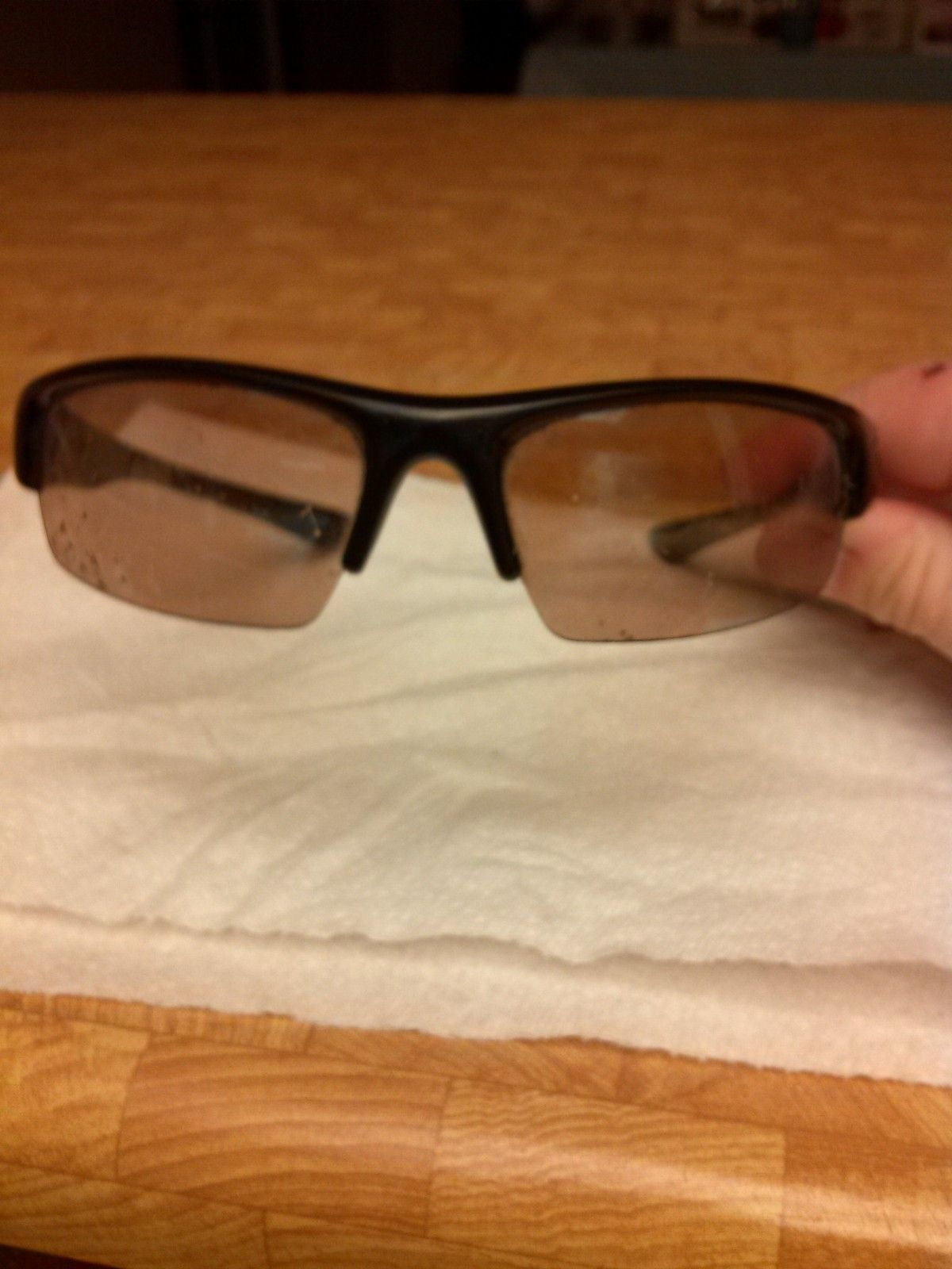 Need Help Identifying these frames so i can get new lenses - IMG_20150401_234432.jpg